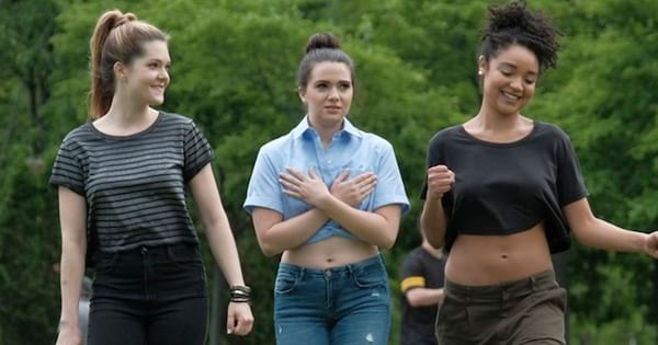 The Bold Type girls walking around in Central Park