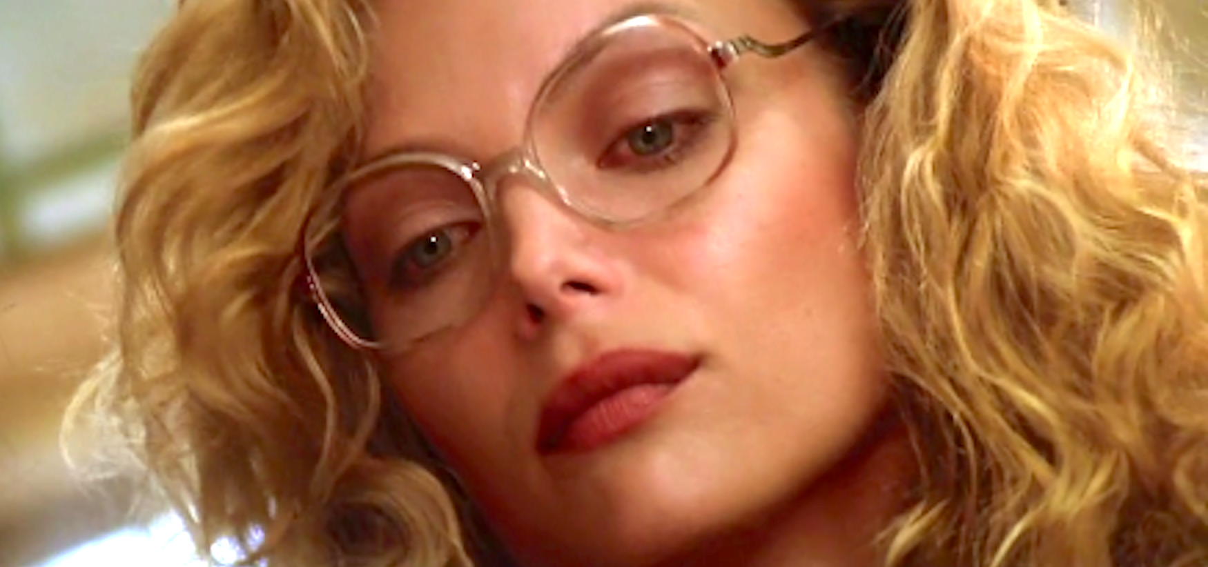 The Witches of Eastwick, Michelle Pfeiffer, phone, glasses, hero, quiz