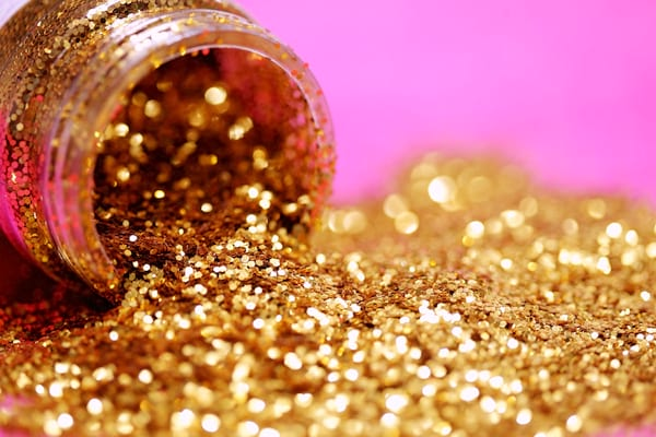 Add Some Glitter to Spruce Up Your Instagram Captions