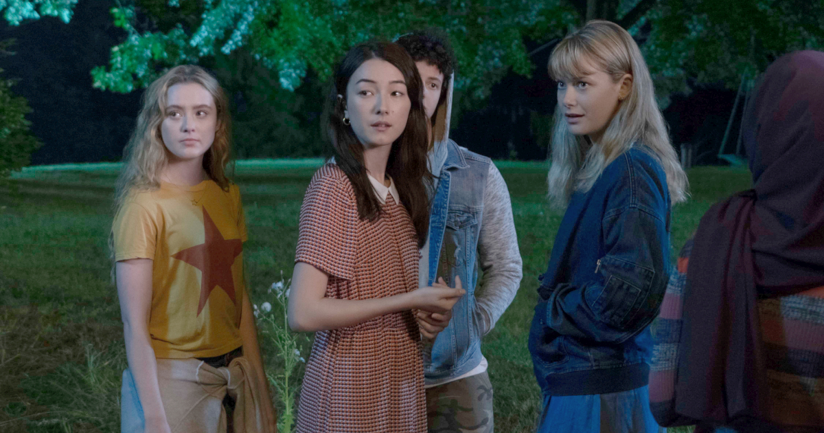 Group of kids standing around in the dark on Netflix's 'The Society'