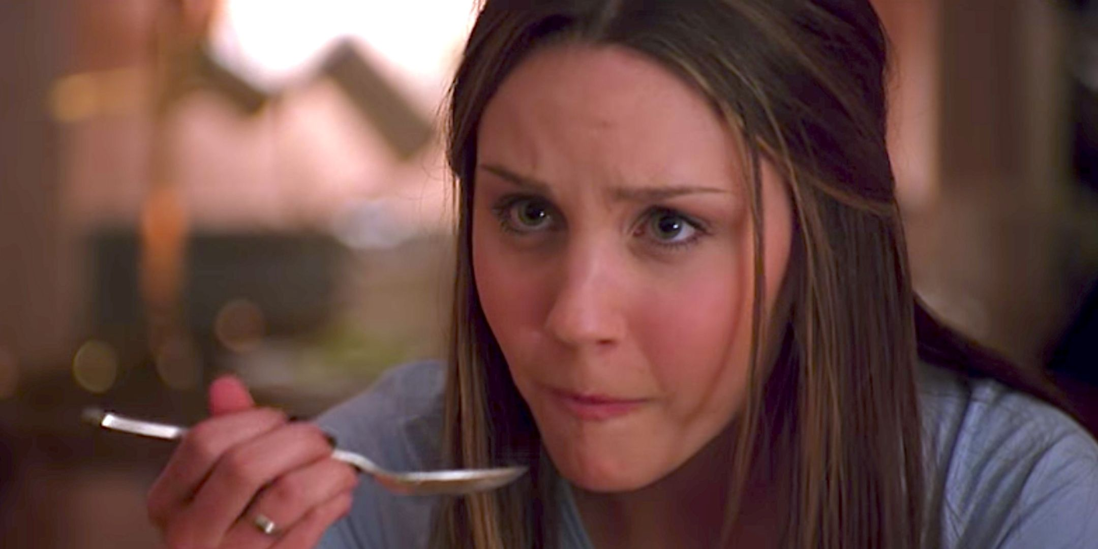 liz, eating, spoon, food, cooking, surprised, Amanda Bynes, brunette, what a girl wants, hero