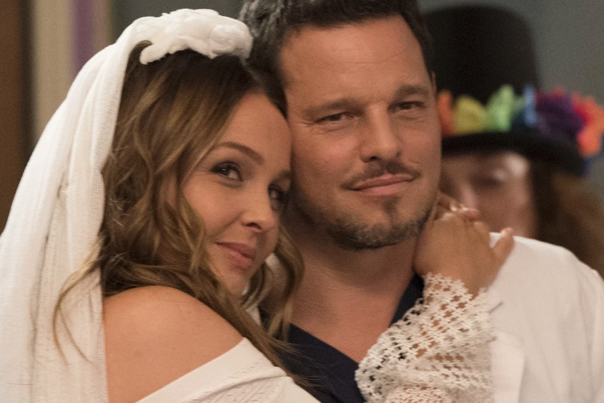 grey's anatomy season 14 alex jo jolex wedding smiling