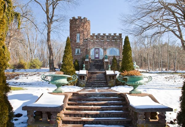 airbnb castle in connecticut