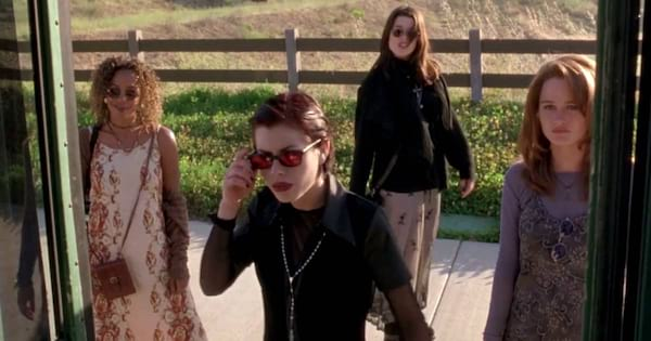 The girls leaving a bus in a scene from 'The Craft'