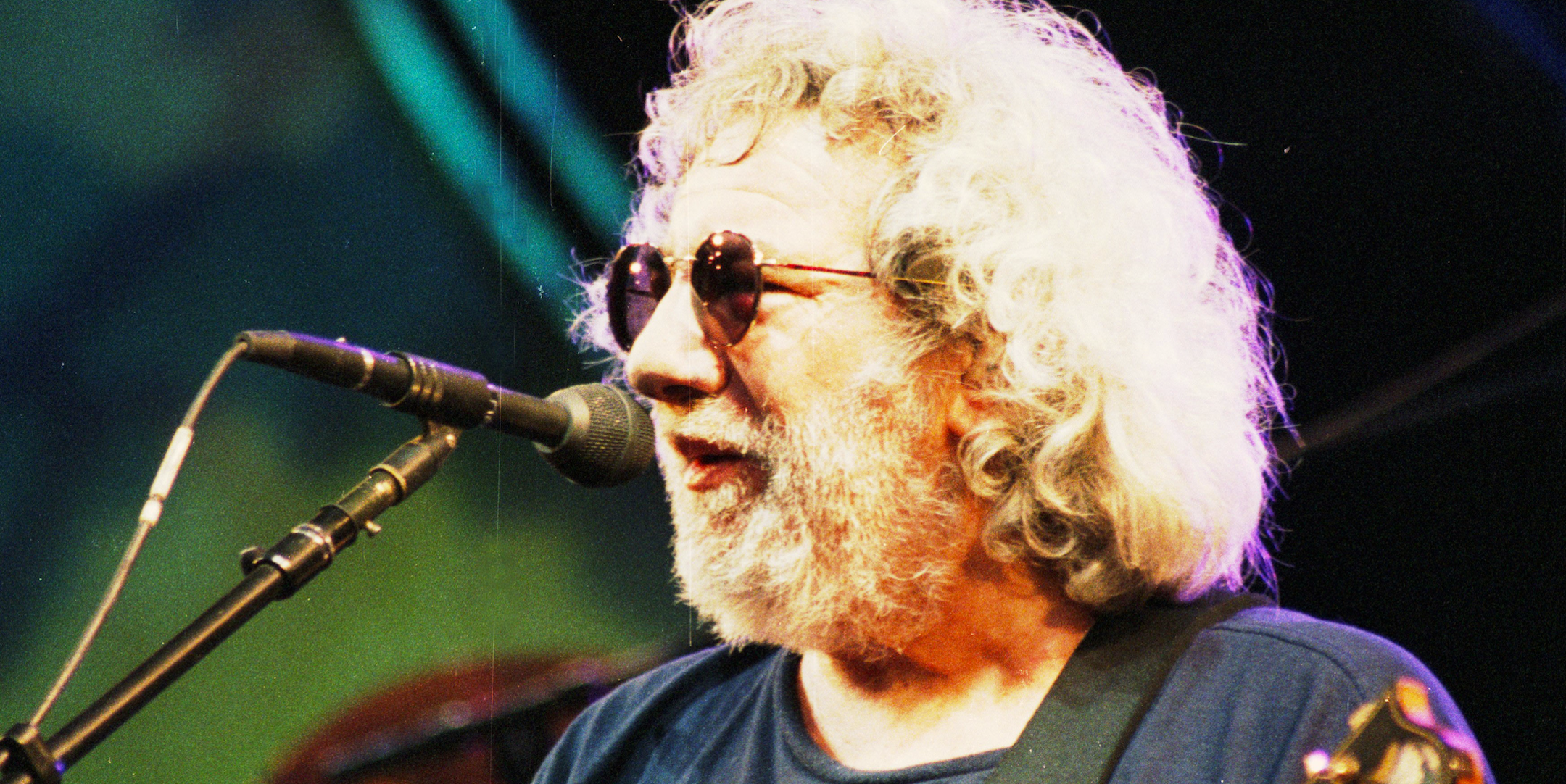 Quiz: Only A True Deadhead Can Name These Grateful Dead Songs By 1 Lyric