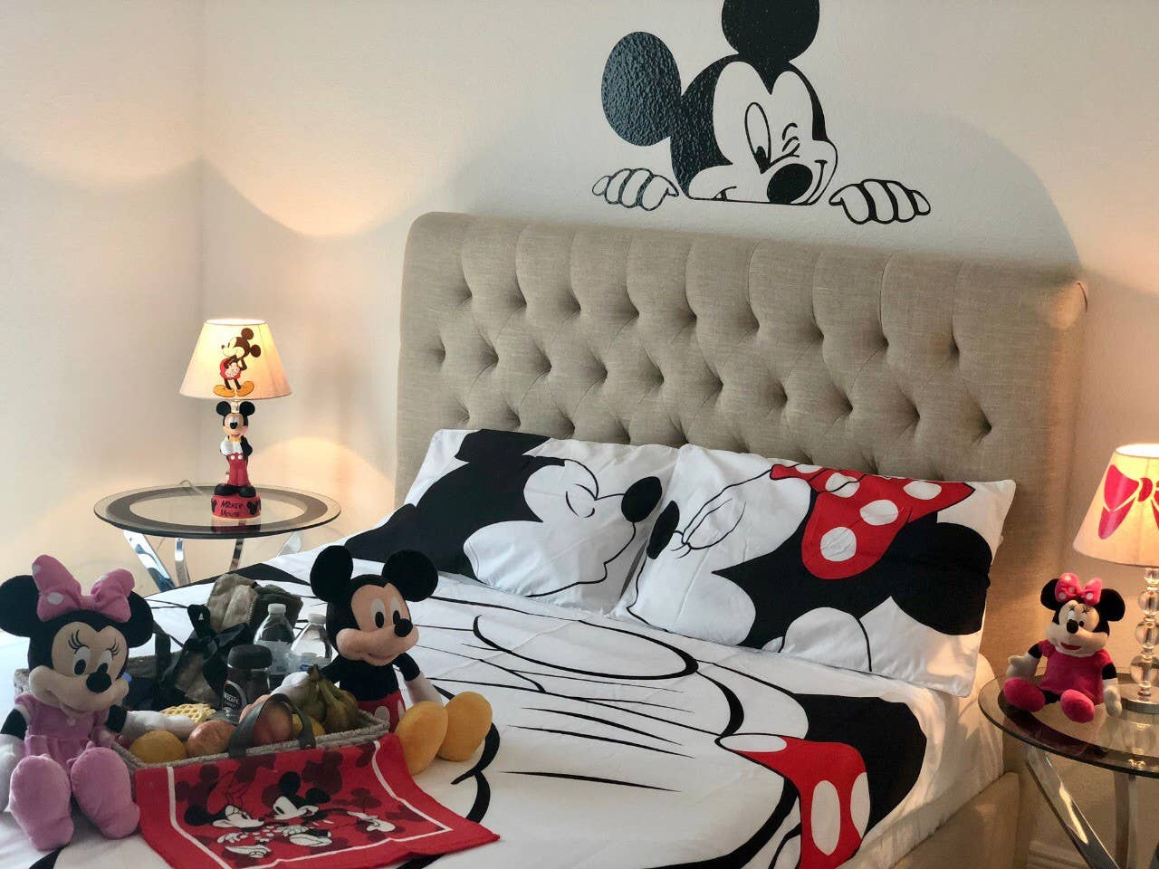 house mickey mouse airbnb disney
