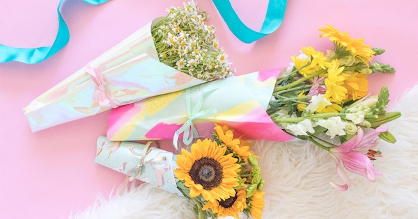 wrapping paper bouquet diy mother's day gift