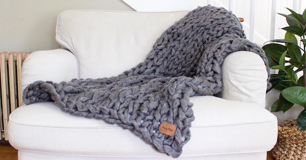 arm knit blanket mother's day gift diy