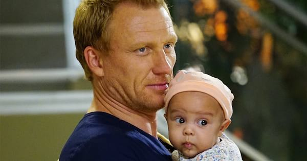 owen hunt holding baby daughter grey's anatomy father