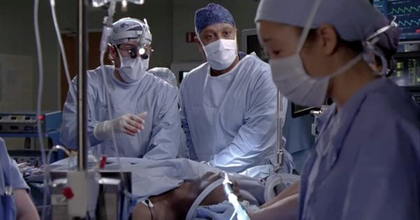 Grey's Anatomy season 2 derek and webber operating on burke with cristina