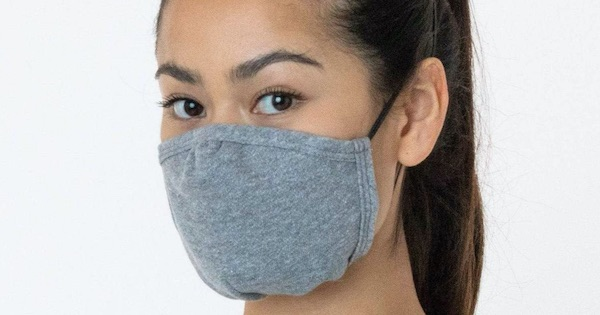 Los Angeles apparel grey face mask on woman