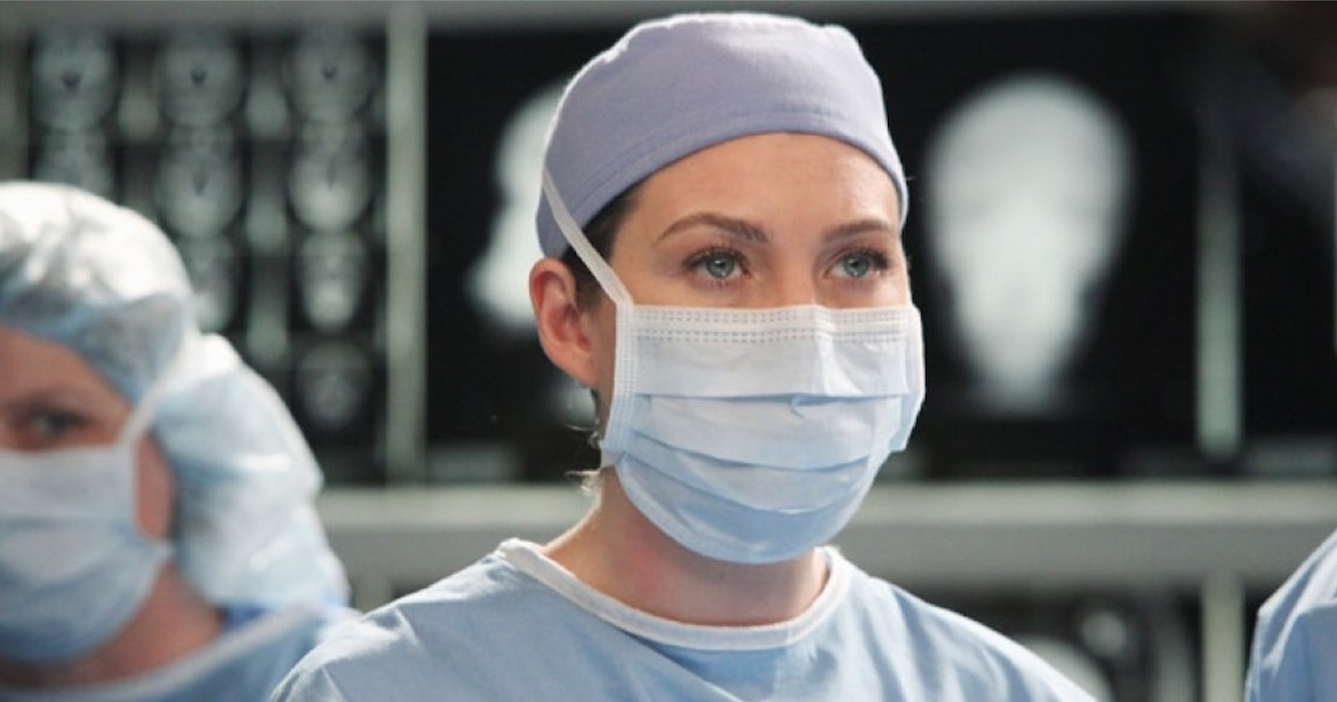 meredith grey in surgical mask